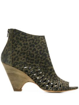 Cut Out Details Ankle Boots - Strategia