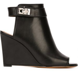 Mule modelo  Shark Tooth   Givenchy