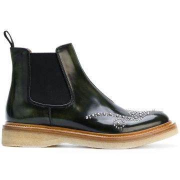 Bota Chelsea com tachas Church s