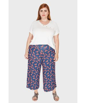 Calça Pantacourt Estampada Plus Size