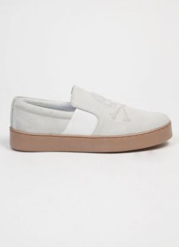 TÊNIS SLIP ON WHITE SKULL COUROJOHN JOHN