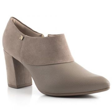 Ankle Boot Salto Grosso Com Pingente - Piccadilly