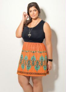 Vestido Preto e Estampado Quintess Plus Size