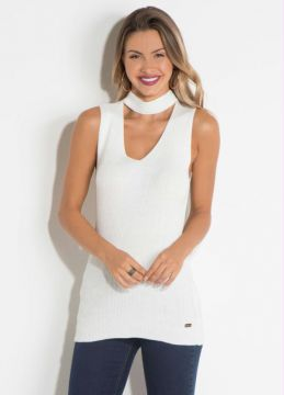 Blusa Off White com Gola Choker Quintess