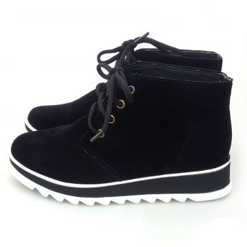 Bota Love Shoes Cano Curto Oxford Flatform Aveludado Preto