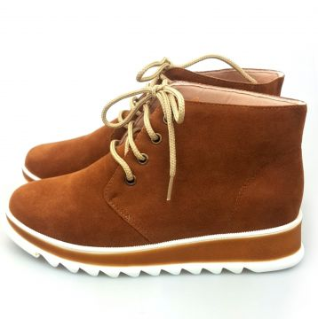 Bota Love Shoes Cano Curto Oxford Flatform Aveludado Carame