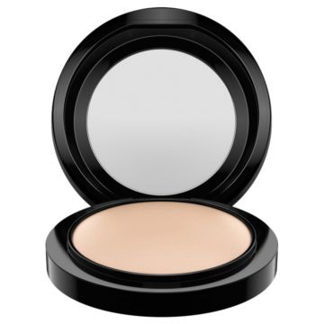 M·A·C Mineralize Skinfinish Natural Light Plus - Pó Compact