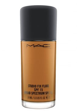 M·A·C Studio Fix Fluid FPS 15 NC60 - Base Líquida 30ml MAC