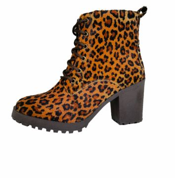 Bota Cut Out Boot tratorada Animal Print Comitiva Boots