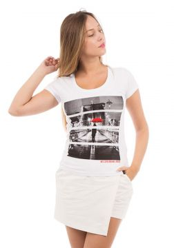 Camiseta AES 1975 Red Umbrella Aes 1975